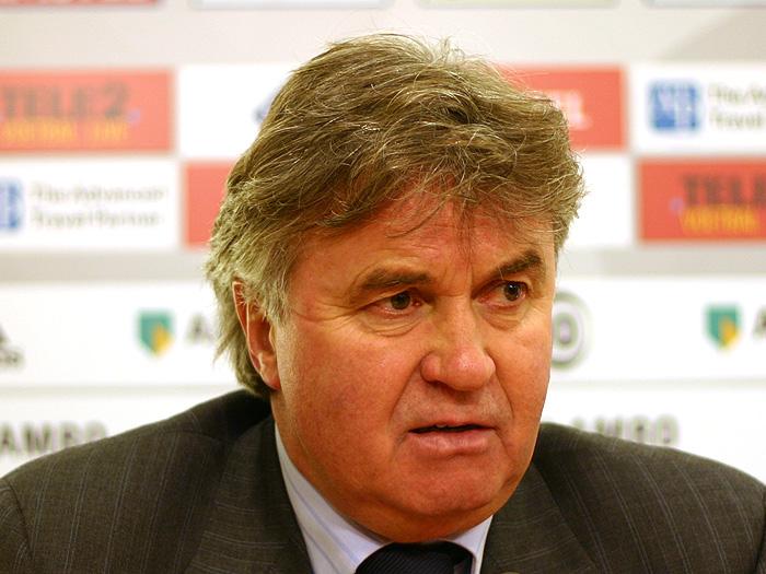 """Bondscoach Guus Hiddink """"Guus Hiddink"""" von http://www.postproduktie."""